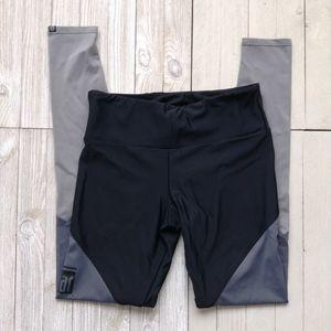 ONZIE Leggings BAR Workout SZ S/M Gray Black